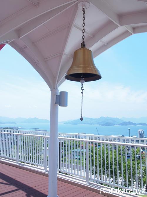 神明の里屋外展望台の鐘